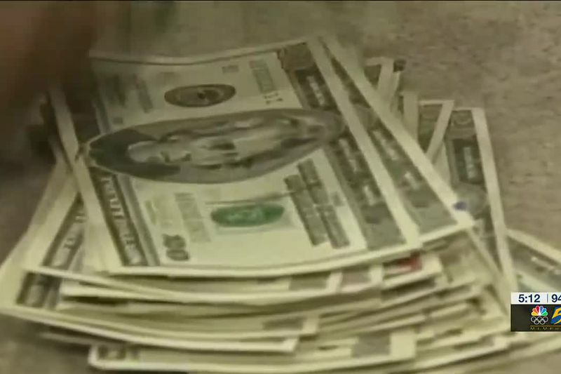 Mississippi advocates pushing for equal pay laws