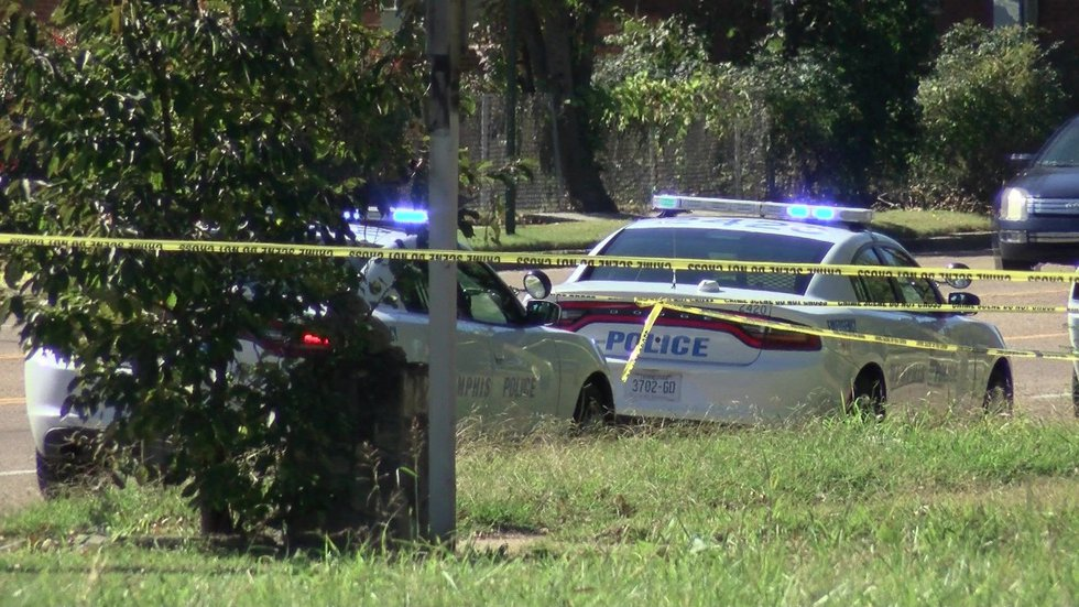 The scene on Shelby Drive. (Source: WMC Action News 5)