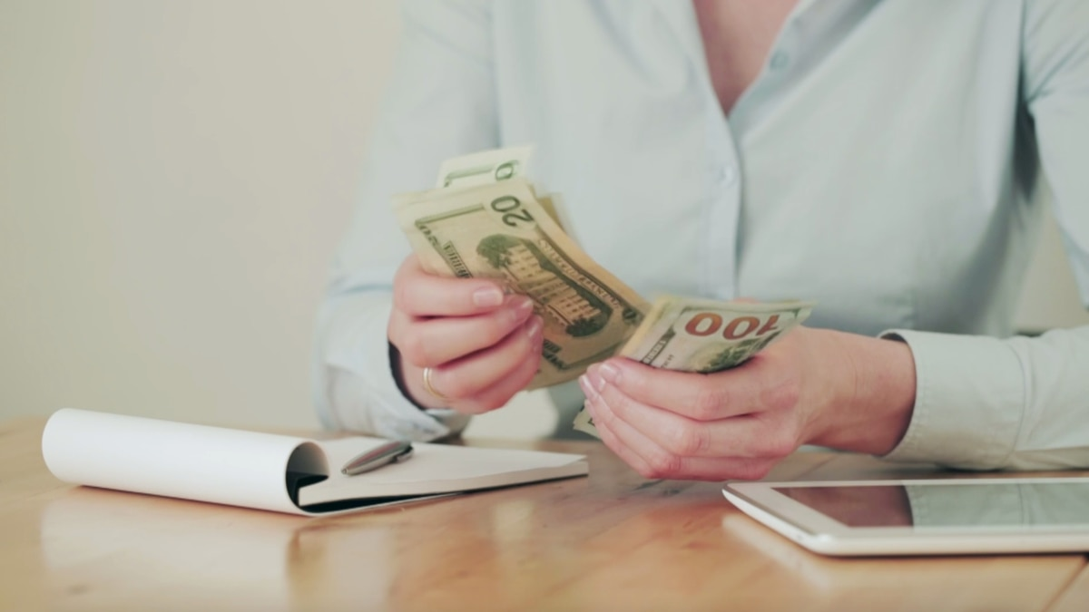 What to think about before you lend money to a family member or friend