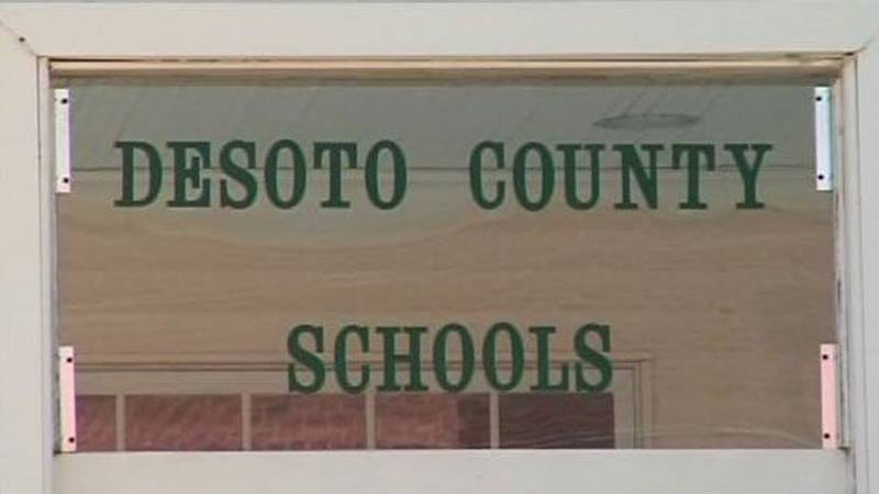 There is no mask mandate at DeSoto County Schools.  The largest school district in Mississippi...