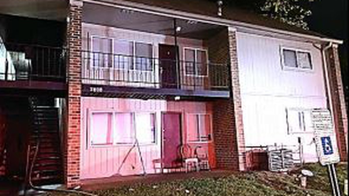Security guards rescue man from apartment fire