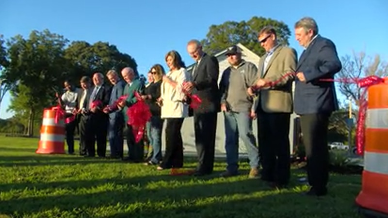 Ingrams Mill community celebrates completion of bridge and park