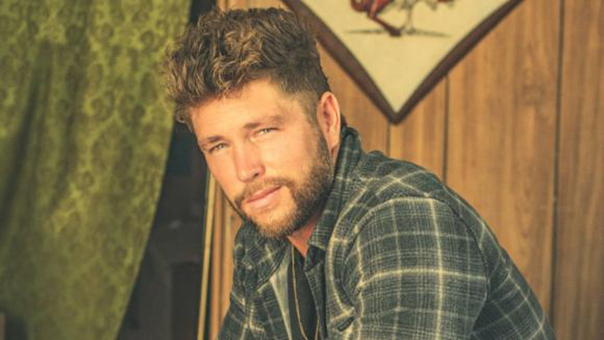 Country music star Chris Lane will perform October 28 in Memphis.