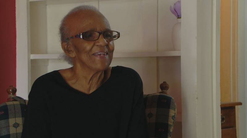 After living with her daughter for several weeks, 85 year-old Peggy Foster moves back into her...