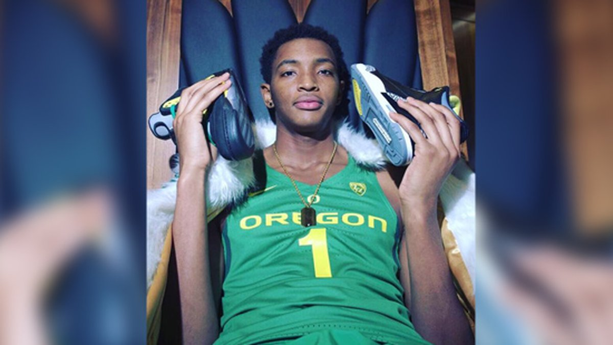 Chandler Lawson committed to Oregon. (Source: Twitter/@chandlerlawson0)