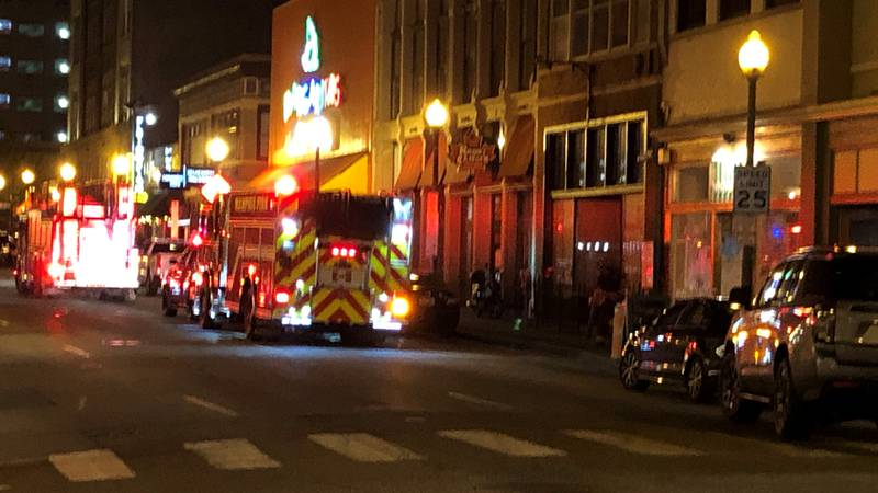 Firefighters contain fire at downtown Memphis restaurant