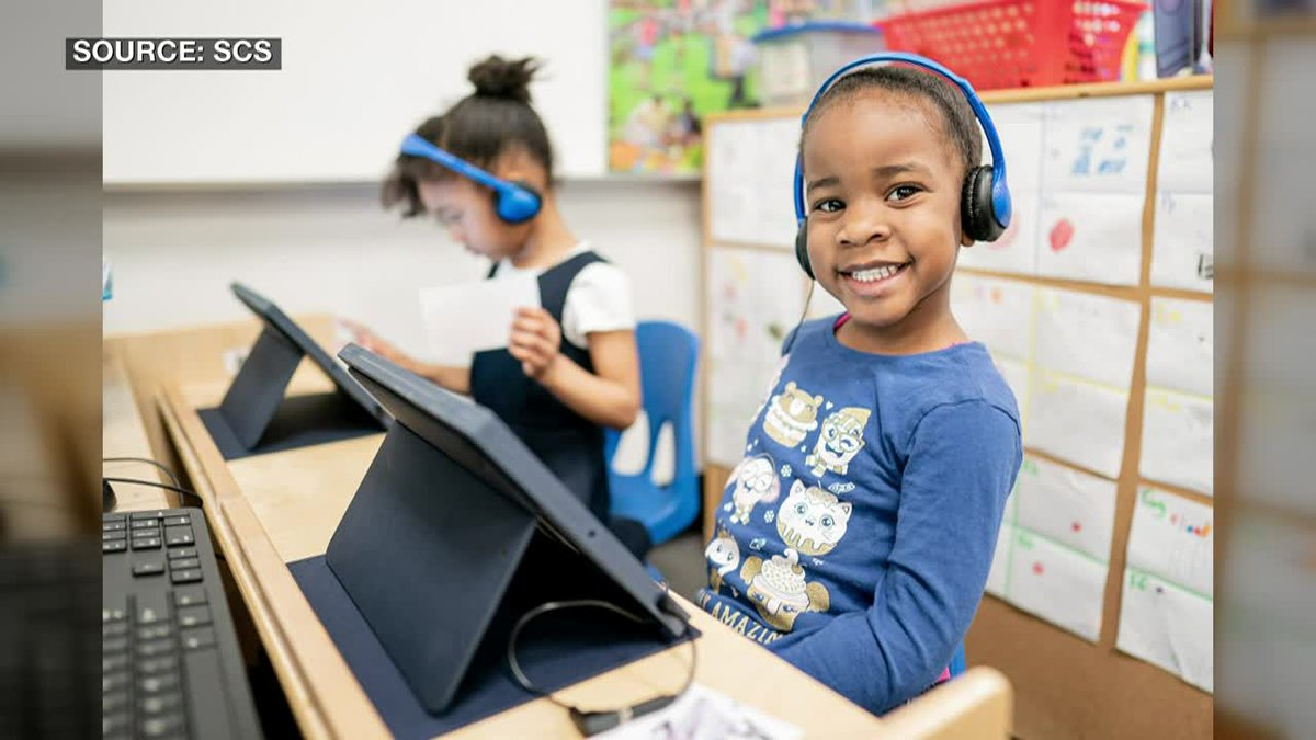 SCS parents say using headsets will keep virtual learners focused