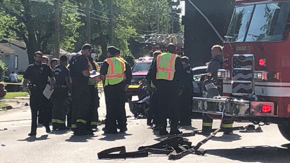 Two people dead after vehicle crash near James Road and Woodlawn Terrace