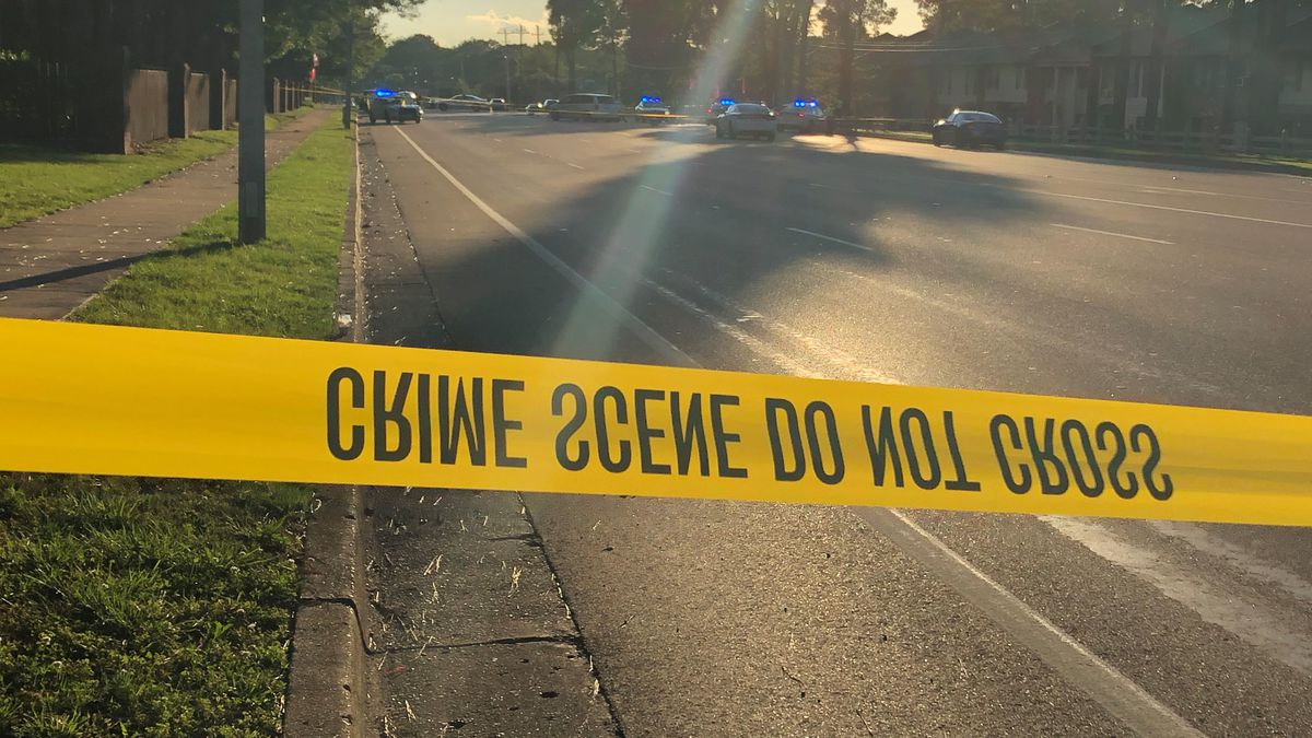 One person dead, another injured in vehicle crash at Knight Arnold and Ridgeway in Memphis