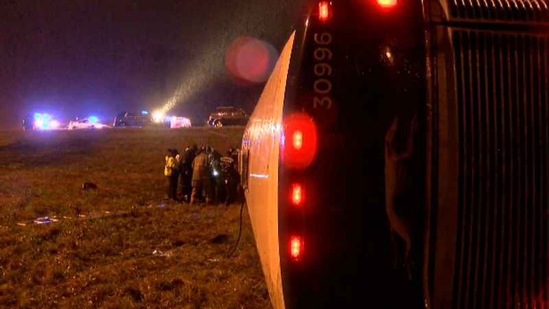 Driver of overturned Greyhound bus charged with DUI; Source: WLBT