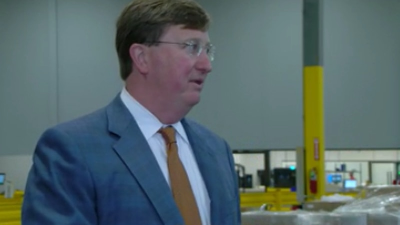 Mississippi governor talks curbing COVID-19 spread during stop in Olive Branch