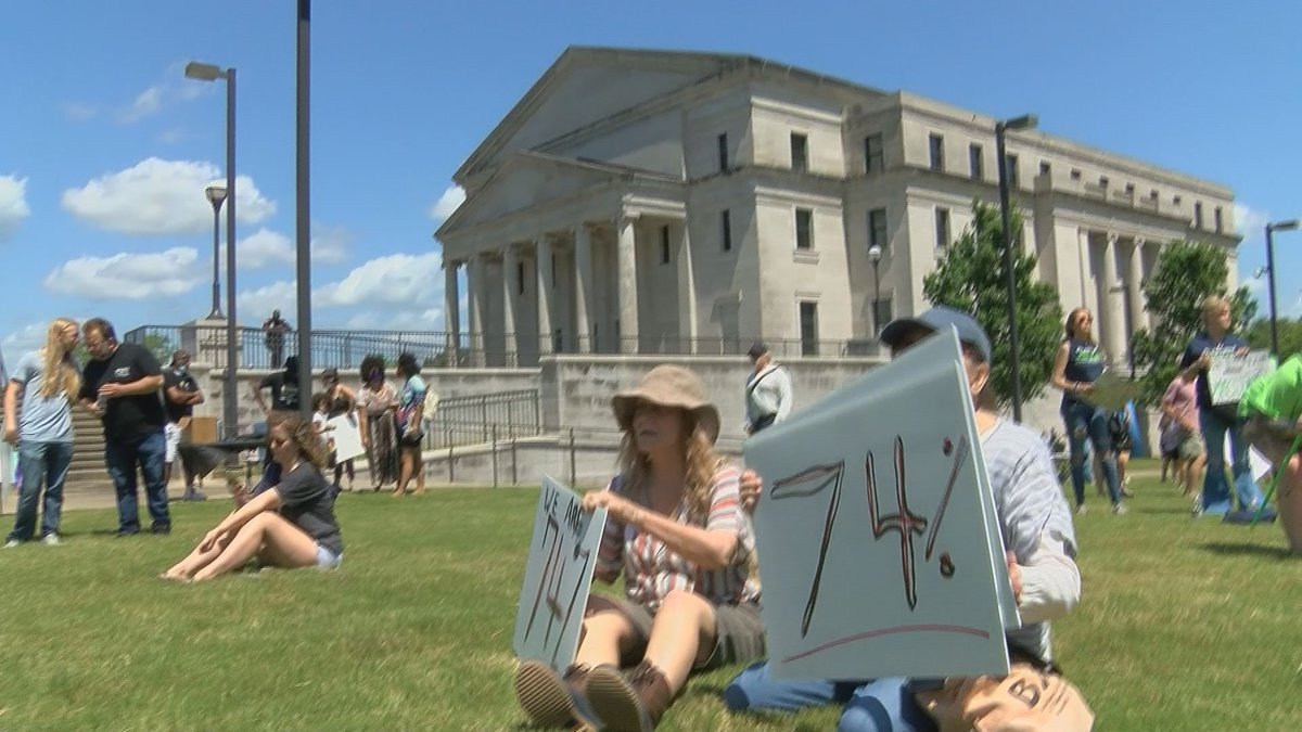 Those in attendance demanded the Governor call a special session.