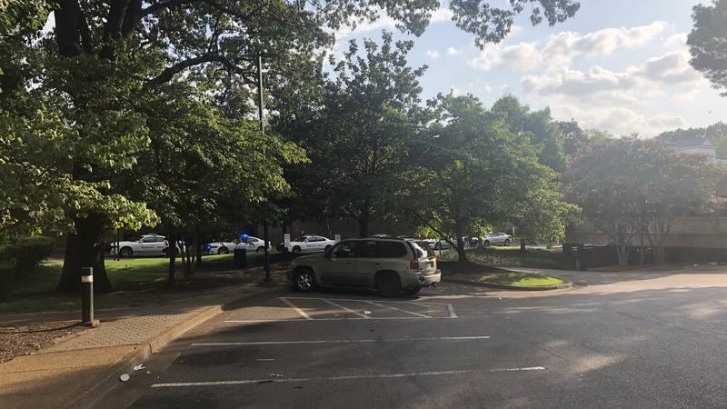 Oak Court Mall altercation