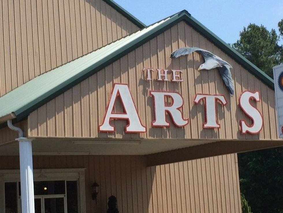The sign on The Hardeman County Arts Council that Helen Stahl created (SOURCE: WMC Action News 5)