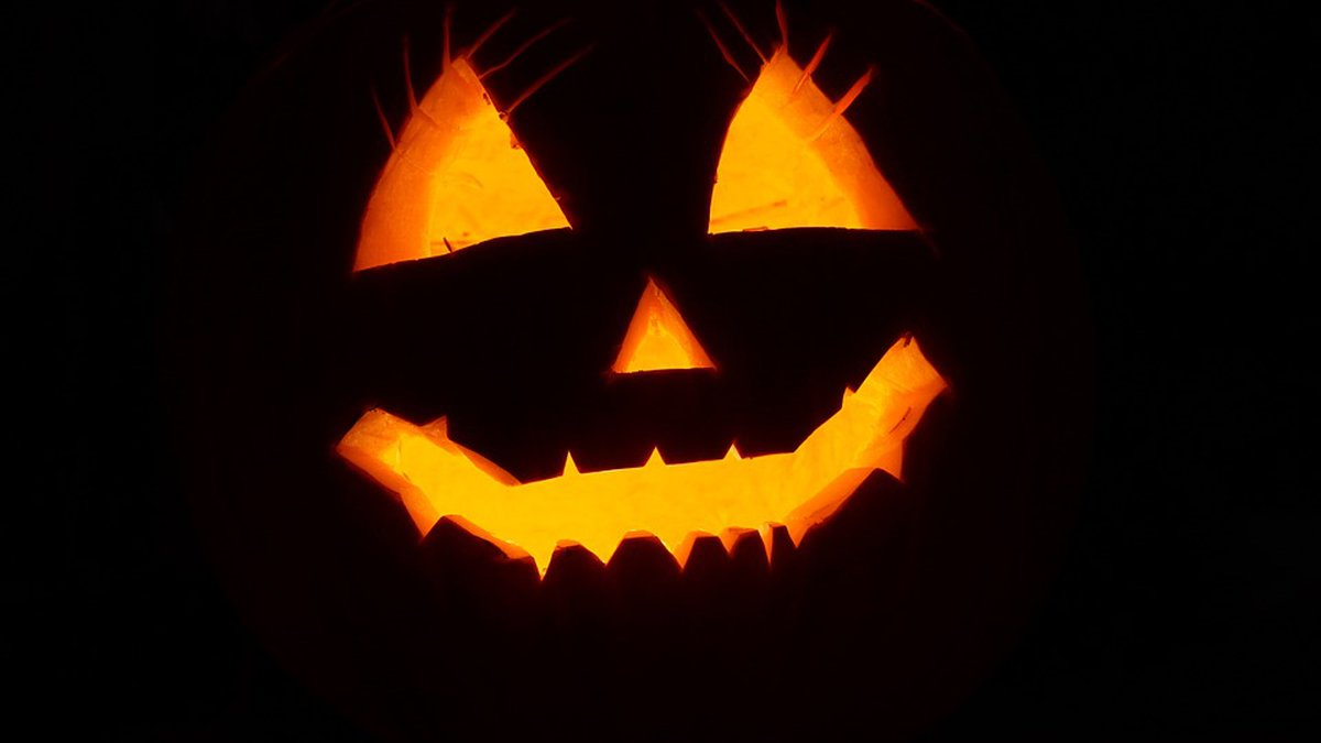 We have safety tips for both your kids and house this Halloween. (Source: Pixabay.com)
