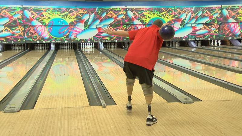 Rick Rader moments before tossing a strike.