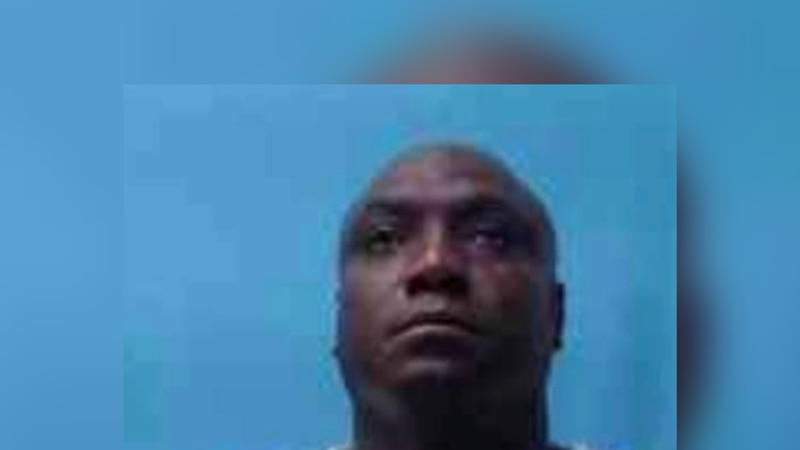 Arkansas officer accused taking inmates to buy beer, cigarettes from gas station