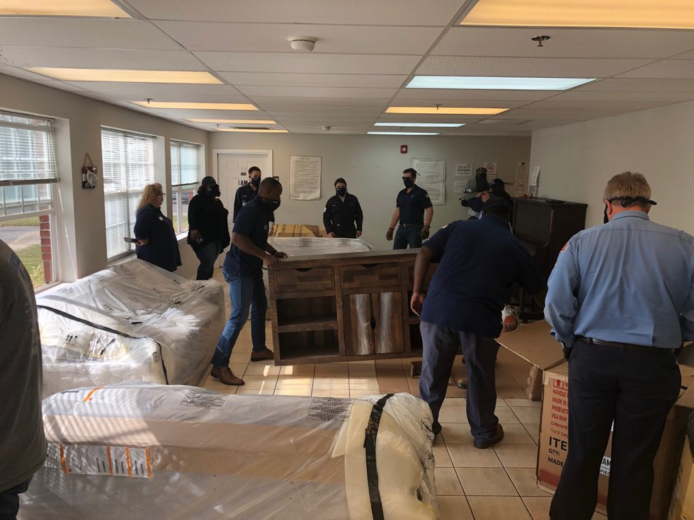 Veterans from the Valero Memphis refinery deliver furniture donation