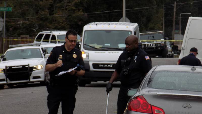 Memphis police on scene of shooting in Parkway Village on September 19, 2021.