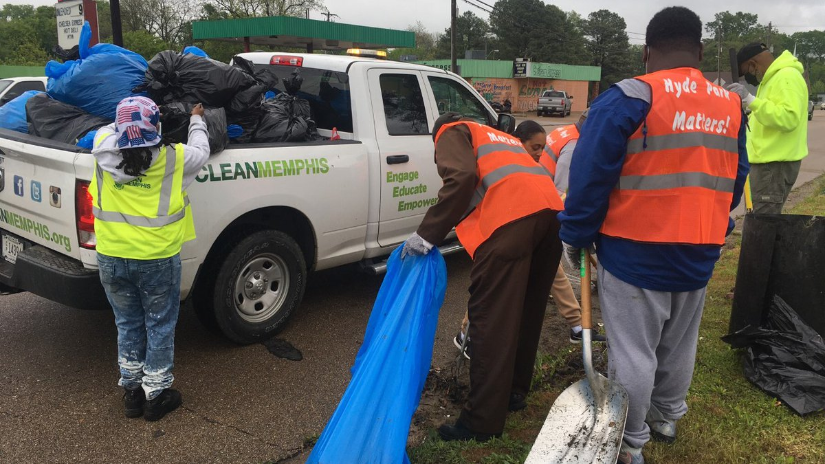 Volunteers cleaning up North Memphis community