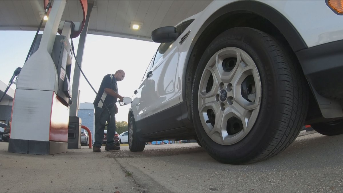 With gas prices remaining unchanged, one analyst suggests that the national average may have...