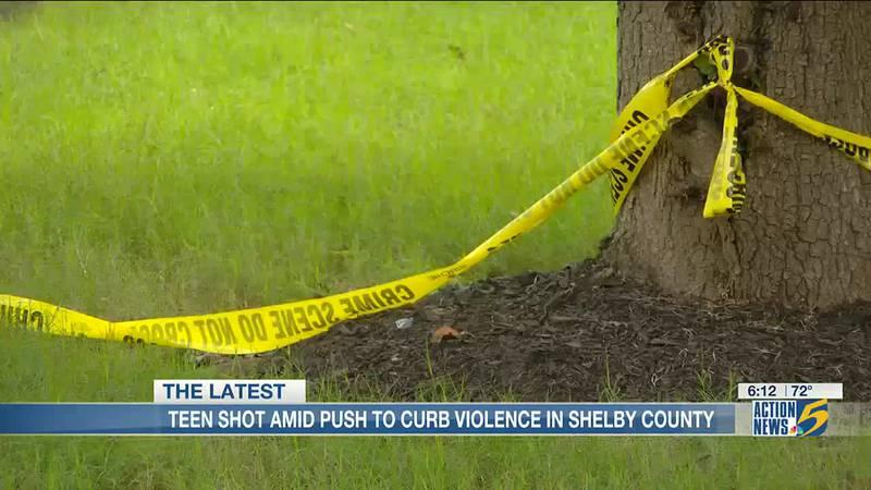 Suspect accused of shooting 15-year-old in both legs, firing at deputies