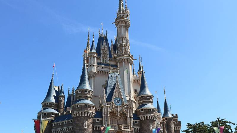 A subscription box service ships snacks from the Walt Disney World park right to your front door.