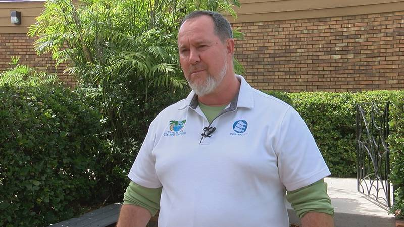 Venice chiropractor says he's helping students opt out of wearing a mask in school.